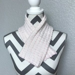 Accessories - 🧣 Scarf Silver and Pink